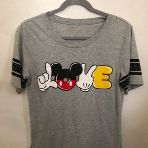 Disney love t shirt